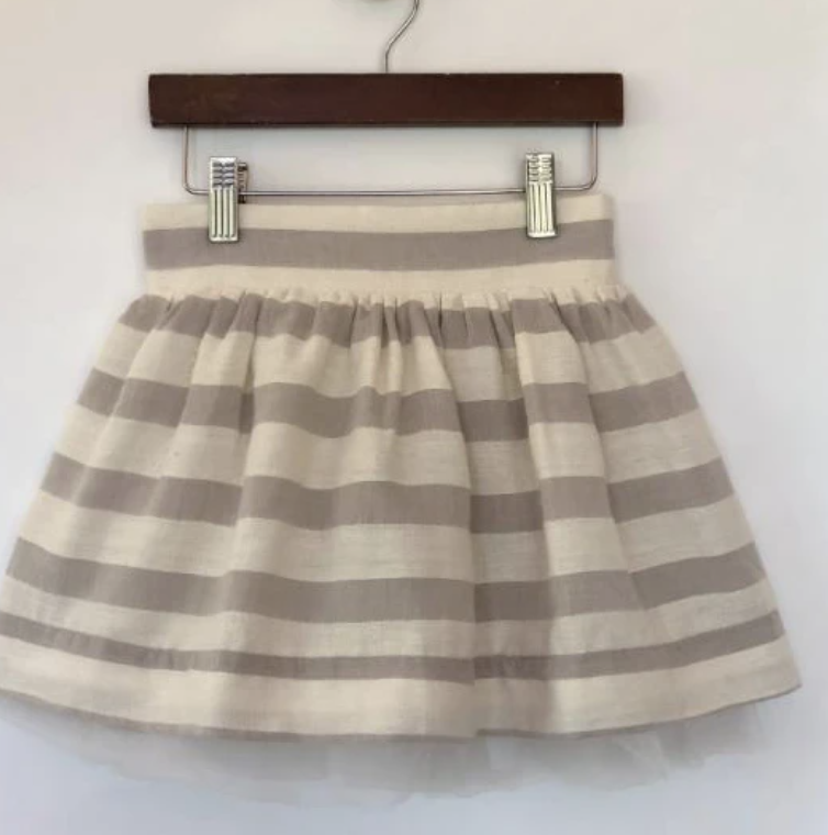 V054-B Cloud skirt Size 14