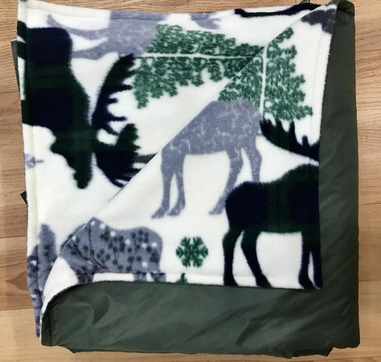 Maine River Otter Blanket 2F- Gray/Moose