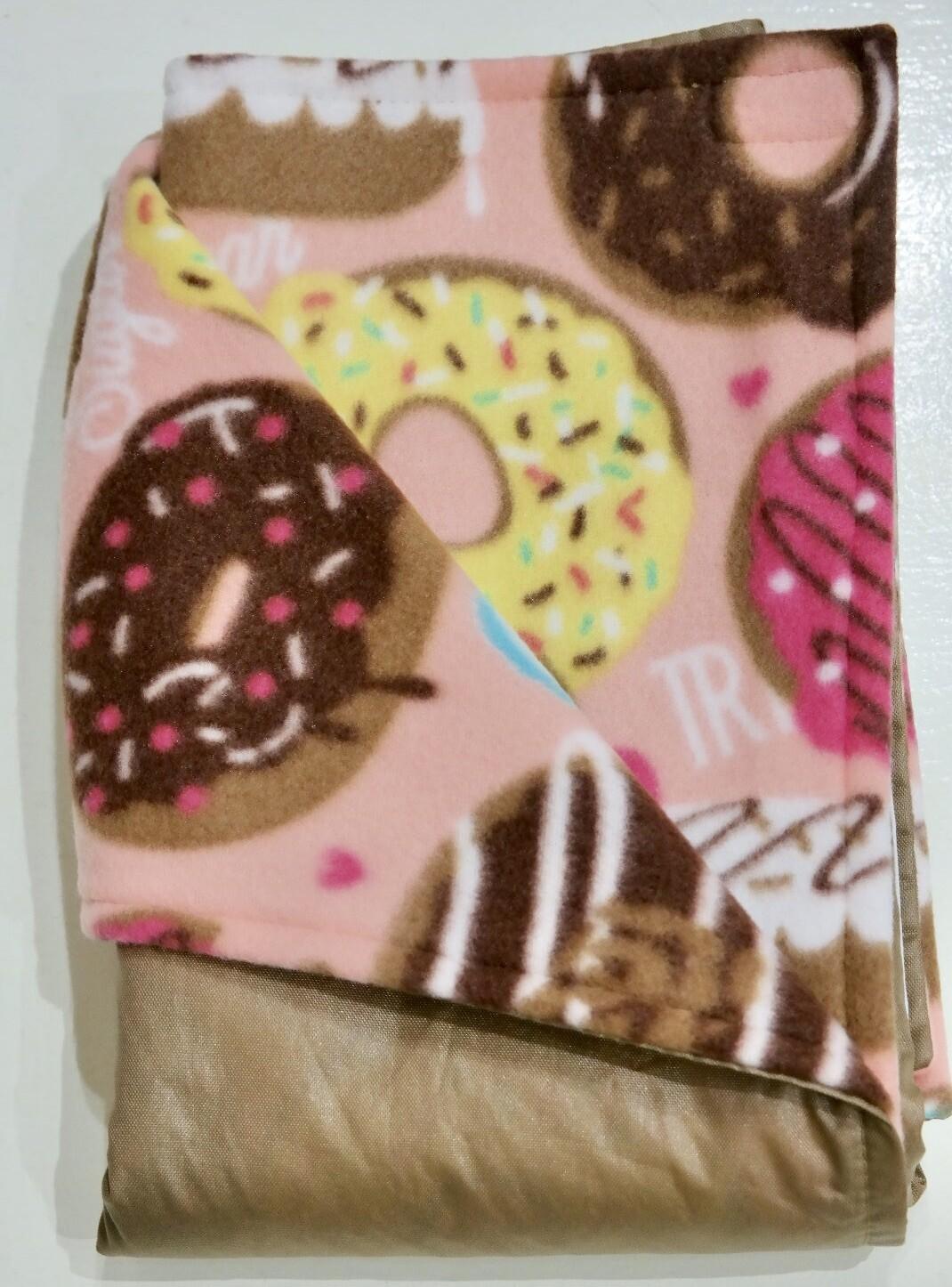 Maine River Otter Blanket 21C-tan/Pink Donut