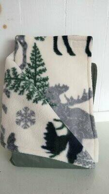 Maine River Otter Blanket 4C Gray Moose
