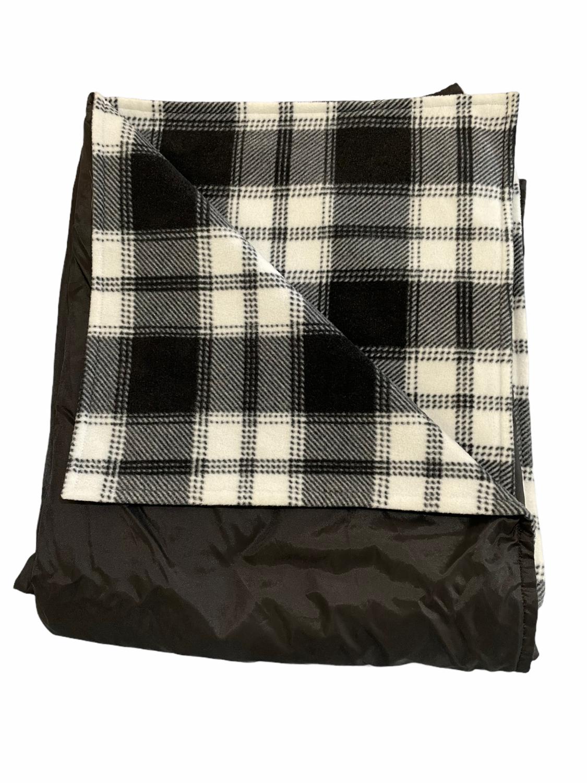 Maine River Otter Blanket 14F Black/Geo Plaid