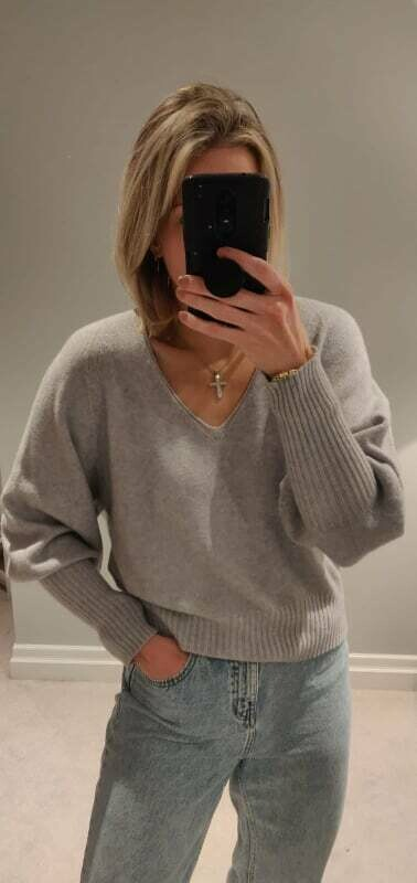 Tilly V-Neck Knit