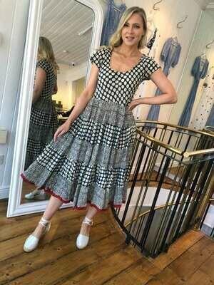 Pranella Dress