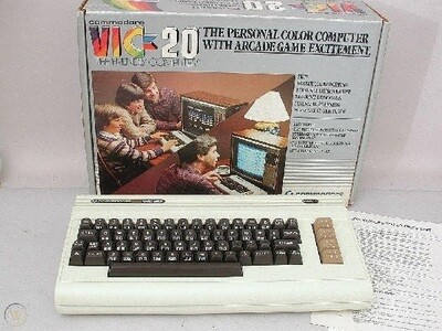 COMMODORE VIC-20 (WITH BOX) (usagé)