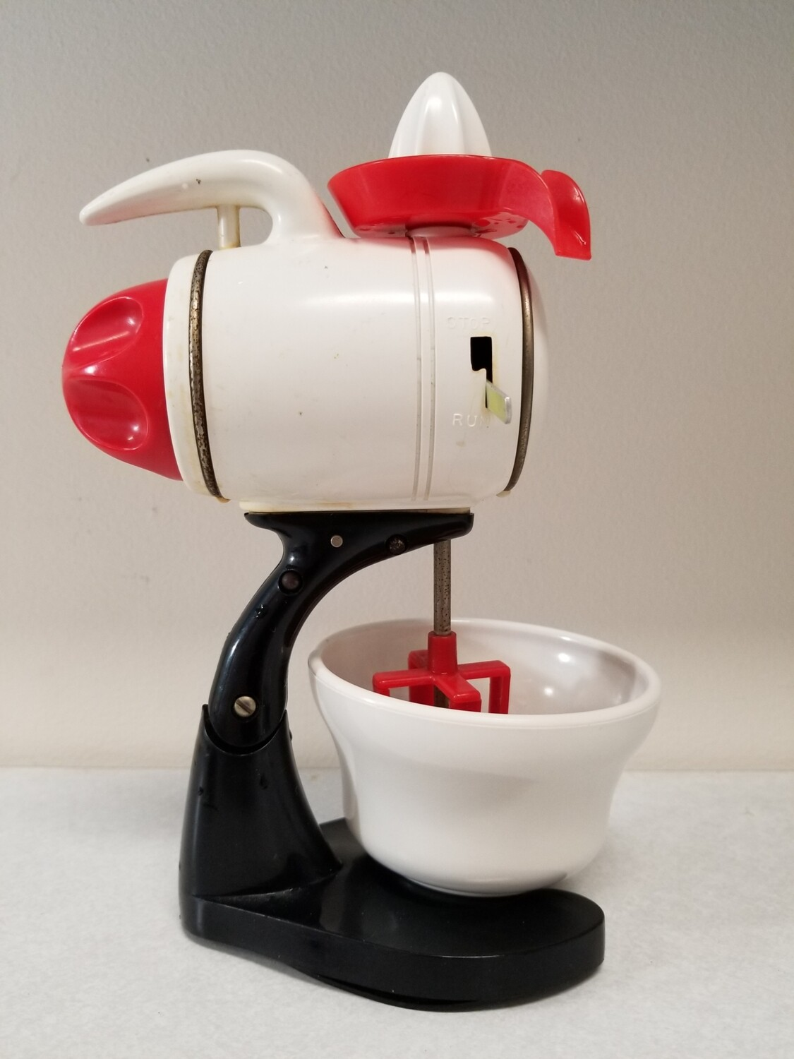 #1-1225 Ideal Windup Mechanical Toy Mixer Vintage