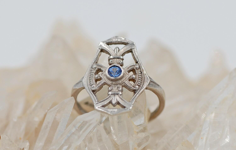 WG Yogo Sapphire Vintage Ring
