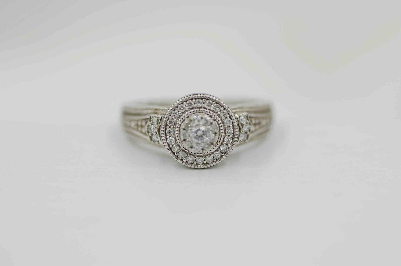 10kwg .24cttw diamond halo cluster ring