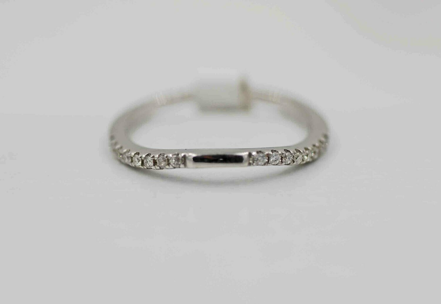 14kwg .10cttw curved diamond band