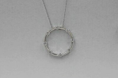 14kw wg circle pendant w/ 8 diamonds .50cttw- 18