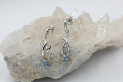 .33cttw 3 Yogo each ear dangle earring .925