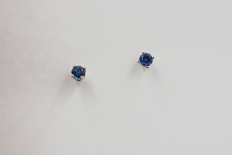 3/8ct MT YOGO sapphire stud earrings - 14kw