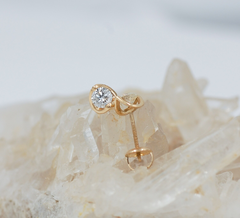 14ky half moon.50cttw diamond stud earrings
