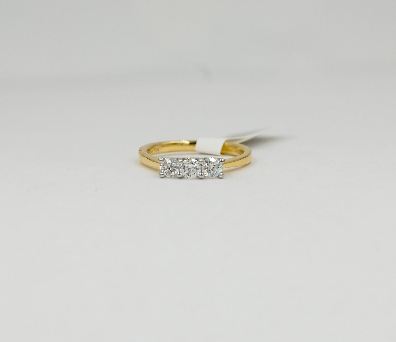 18k yellow & white gold 3 diamond band .25cttw