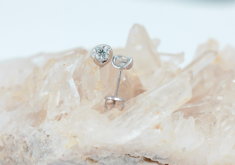 14kw half moon .50cttw diamond stud earrings