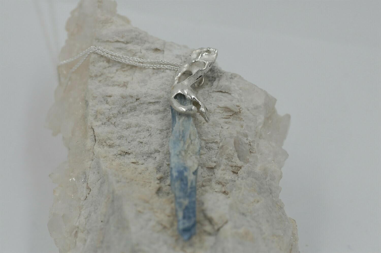 """""""Dancer"""" kyanite pendant - .925"""