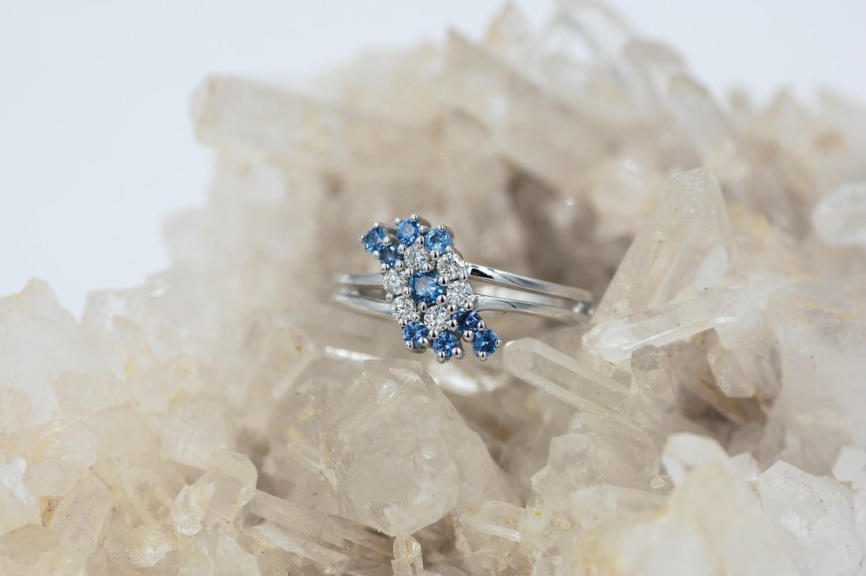14k wg .45cttw Yogo sapphire/.20cttw diamond cluster style ring w/ split shank