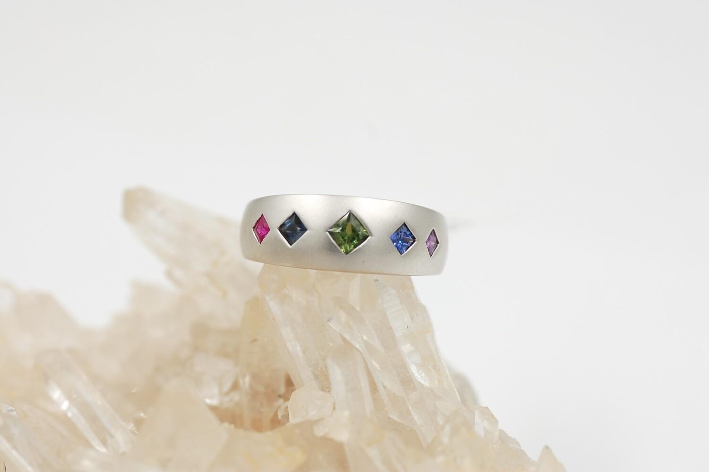Rainbow sapphire band w/ .68cts princess cut saph .925