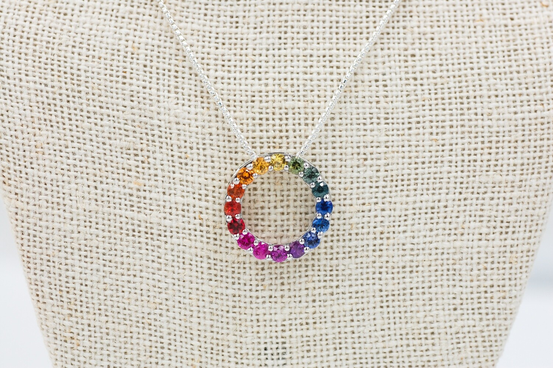 Rainbow sapphire circle pendant - 1.40cts 14kw