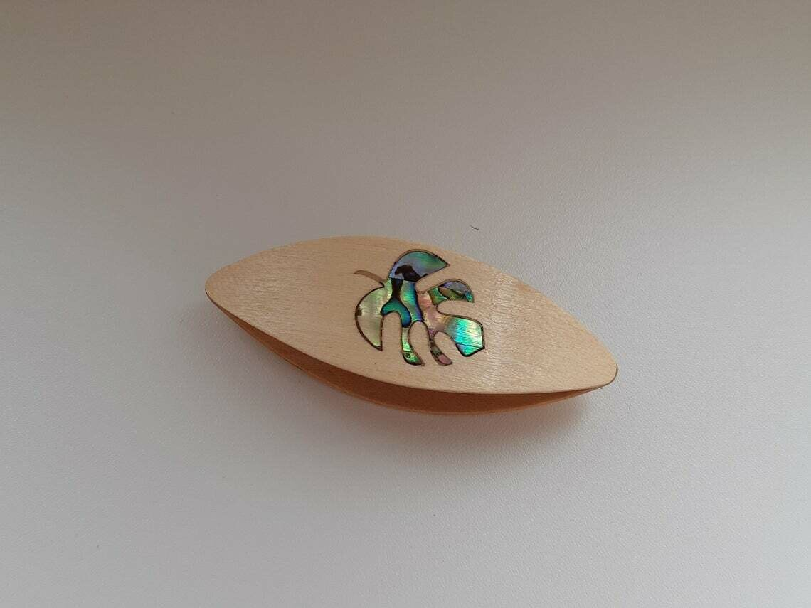 Tatting Shuttle Maple Mother-of-Pearl Monstera Inlay