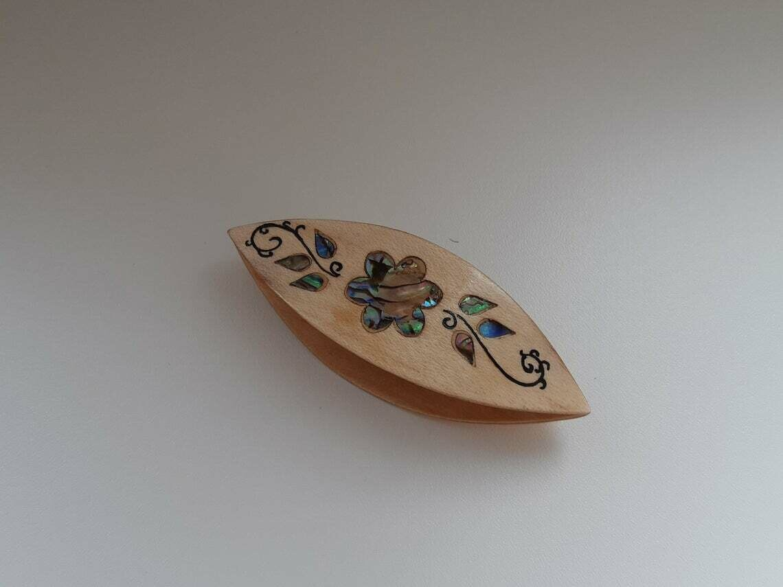Tatting Shuttle Maple Mother-of-Pearl Flower Inlay