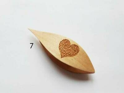 Tatting Shuttle With Pick Maple Heart Engraving