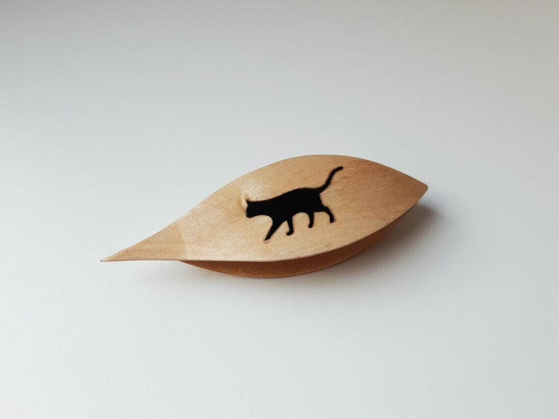 Tatting Shuttle With Pick Maple Black Cat Inlay​