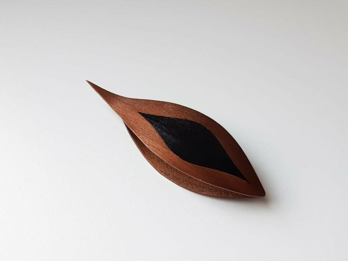 Tatting Shuttle With Pick Walnut Black Wood Inlay