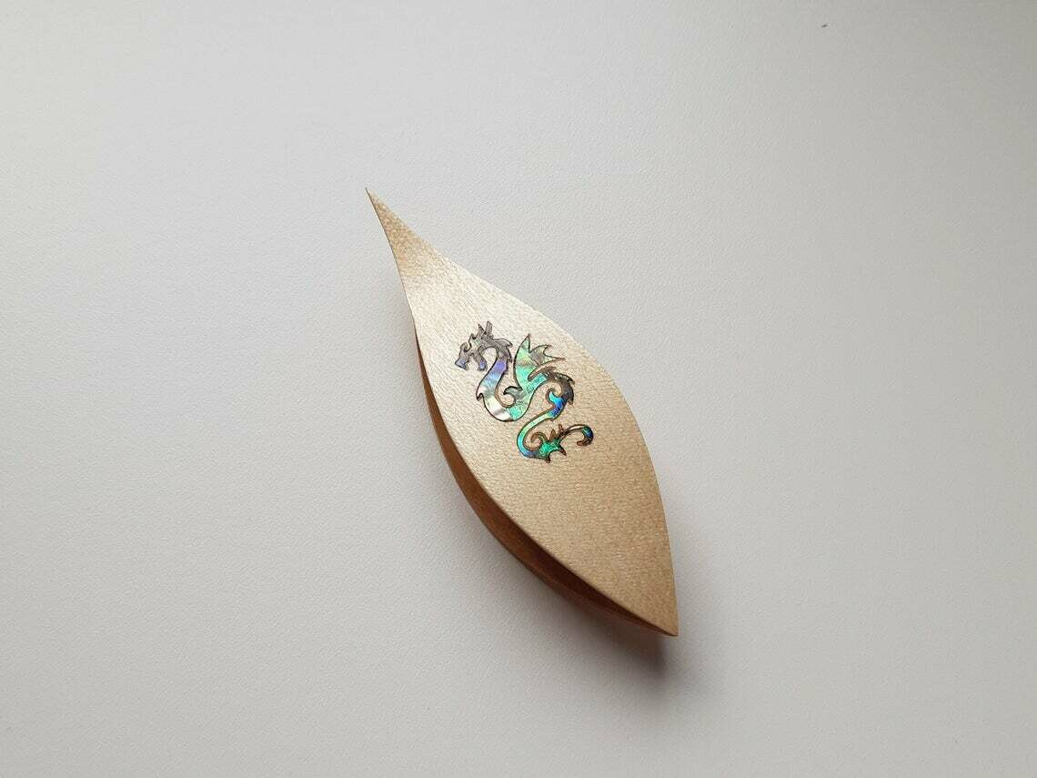 Tatting Shuttle With Pick​ Maple Mother-of-Pearl Dragon Inlay​