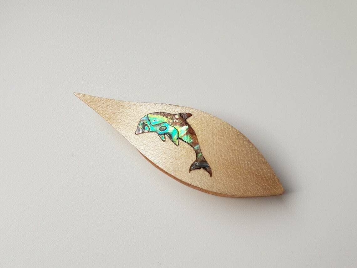 Tatting Shuttle With Pick Maple Mother-of-Pearl Dolphin Inlay