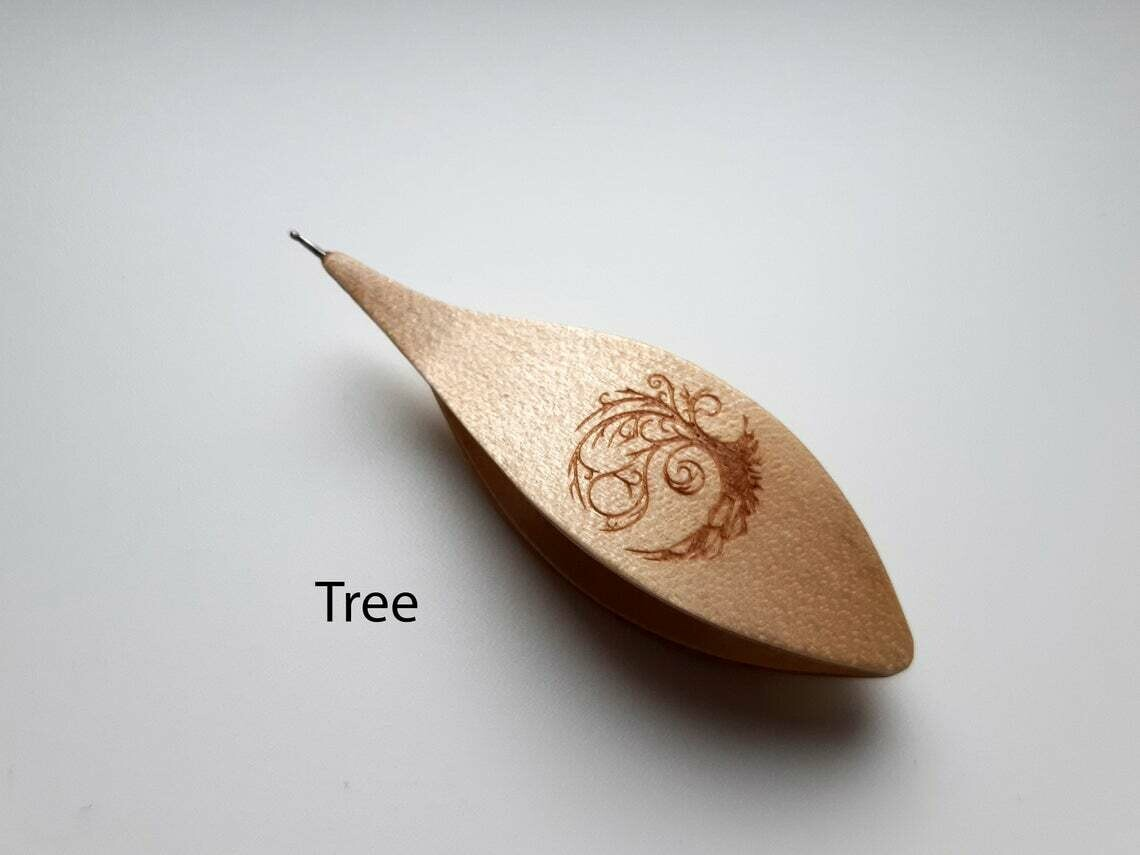 Tatting Shuttle With Hook Maple Tree Engraved