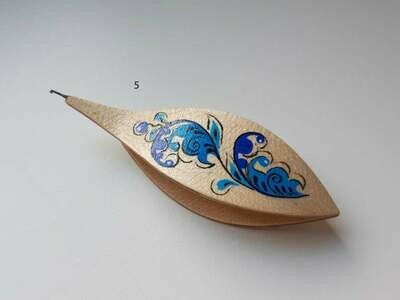Tatting Shuttle With Hook Maple Painted​