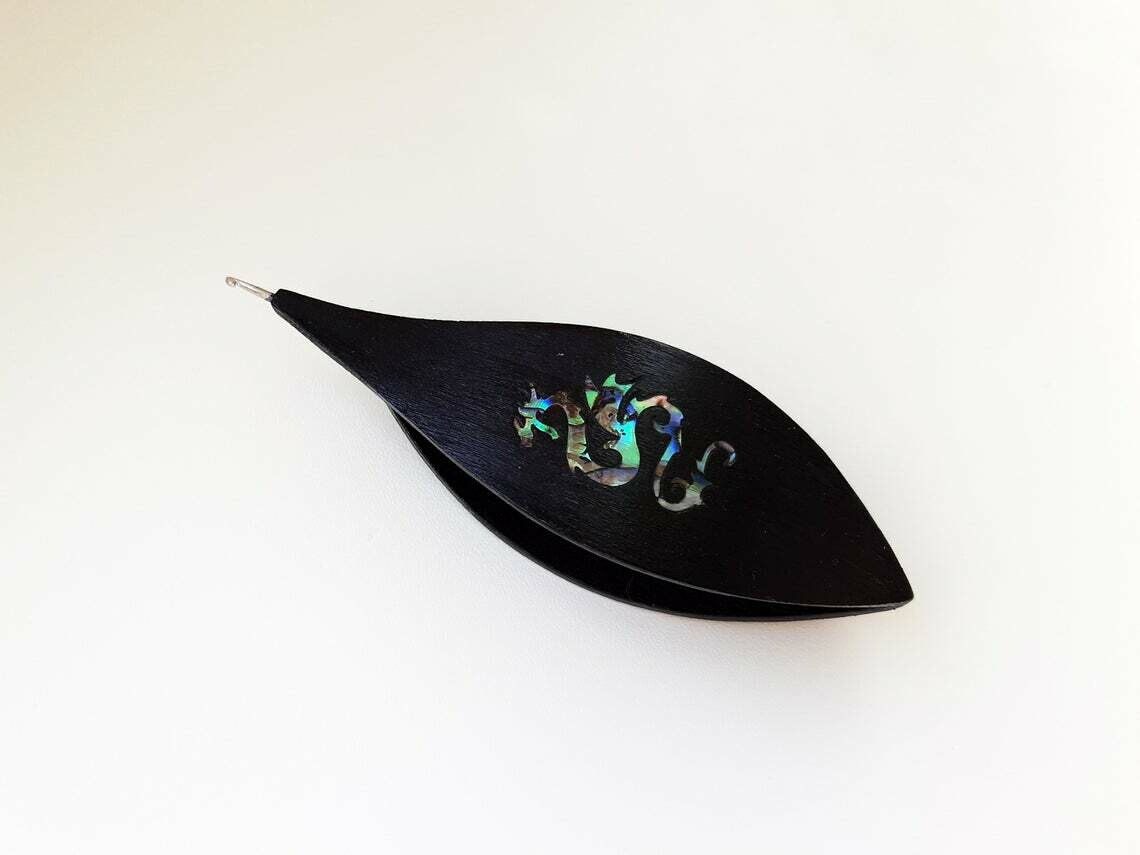 Tatting Shuttle With Hook Black Wood Mother-of-Pearl Dragon Inlay