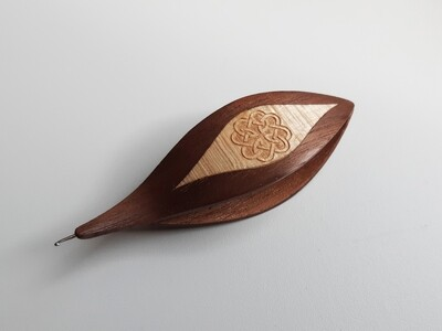 Tatting Shuttle With Hook Walnut Maple Inlay Engraving #2