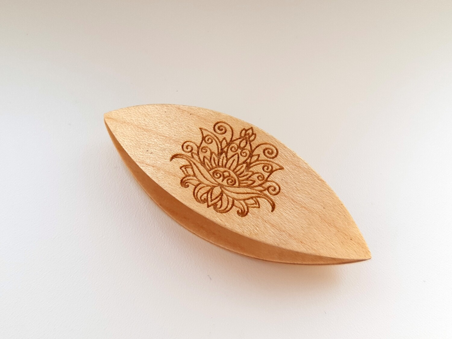 Tatting Shuttle Maple With Engraving #8