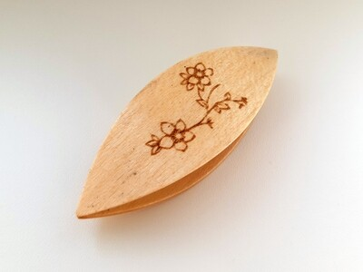 Tatting Shuttle Maple With Engraving #17