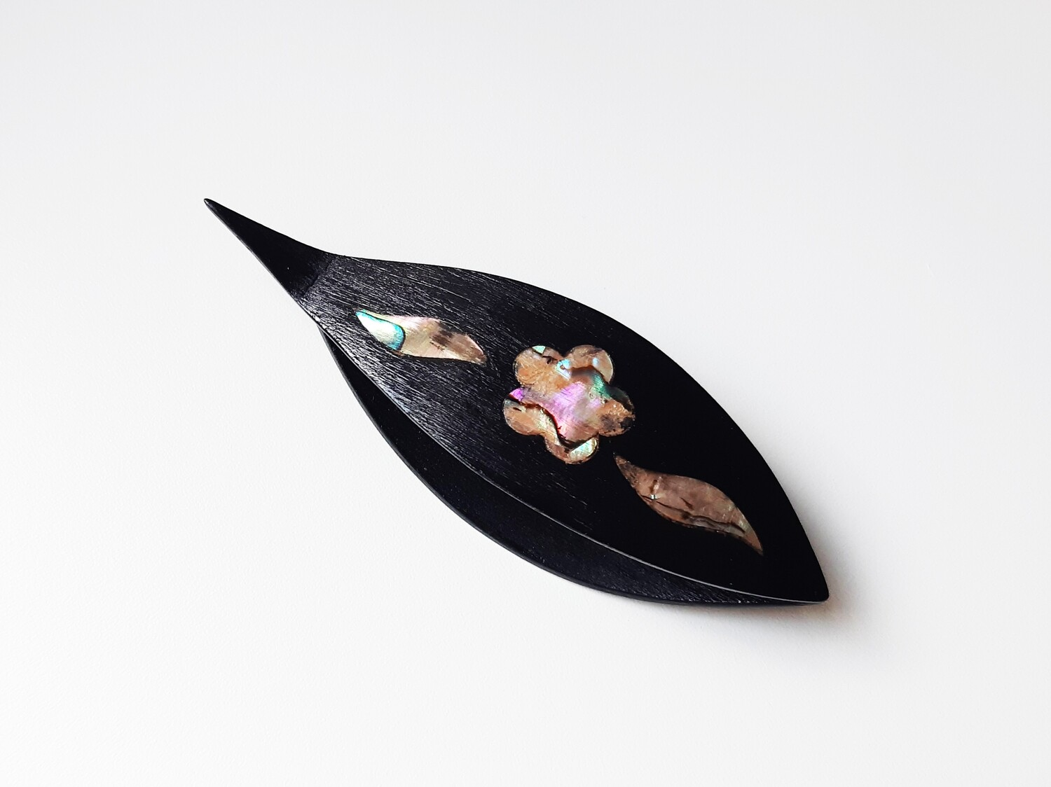 Tatting Shuttle With Pick Black Wood Mother-of-Pearl Flower Inlay
