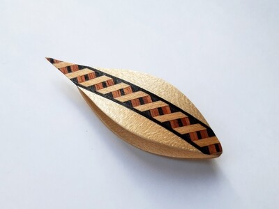 Tatting Shuttle With Pick Maple Marquetry