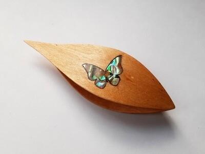 Tatting Shuttle With Pick​ Maple Mother-of-Pearl Butterfly 1 Inlay​