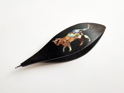 Tatting Shuttle With Hook Black Wood Mother-of-Pearl Cat Inlay