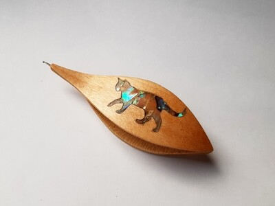 Tatting Shuttle With Hook Maple Mother-of-Pearl Cat Inlay