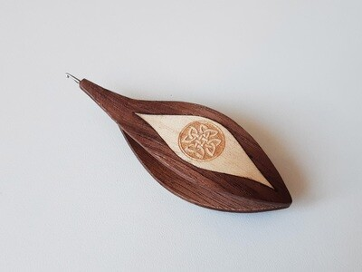 Tatting Shuttle With Hook Walnut Maple Inlay Engraving #6
