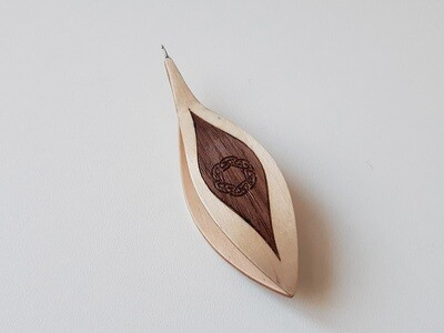 Tatting Shuttle With Hook Maple Walnut Inlay Engraving #7