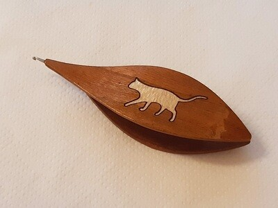 Tatting Shuttle With Hook Cherry Tree Maple Cat Inlay