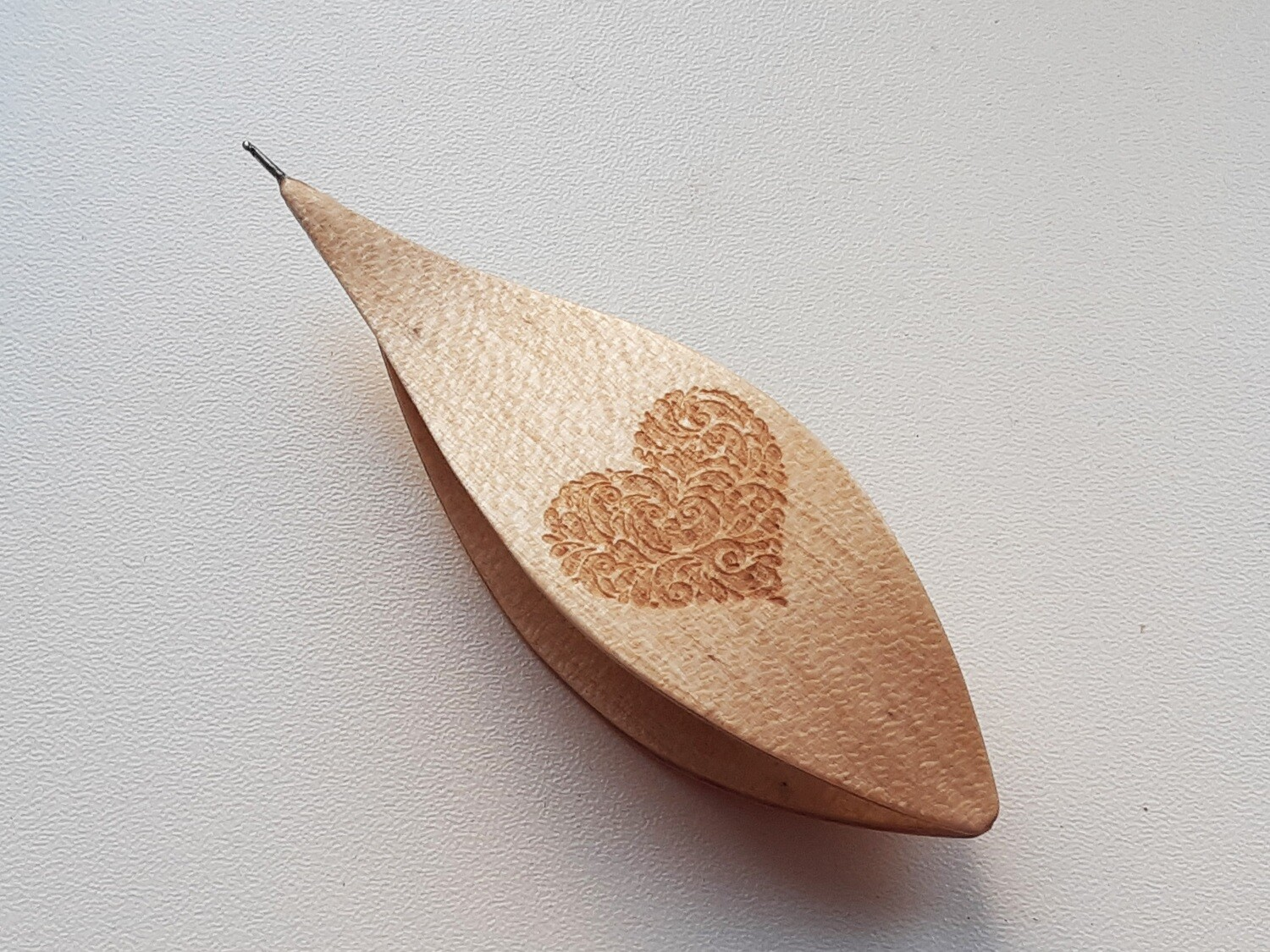 Tatting Shuttle With Hook Maple Heart Engraved