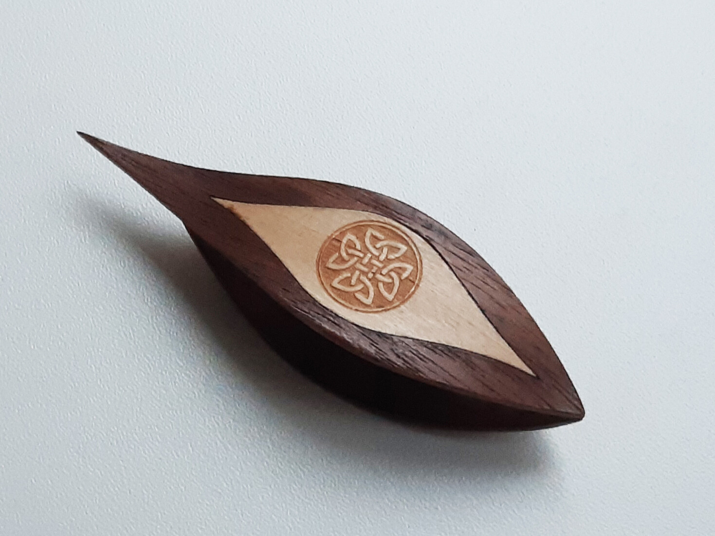 Tatting Shuttle With Pick Walnut Maple Inlay Engraving #5