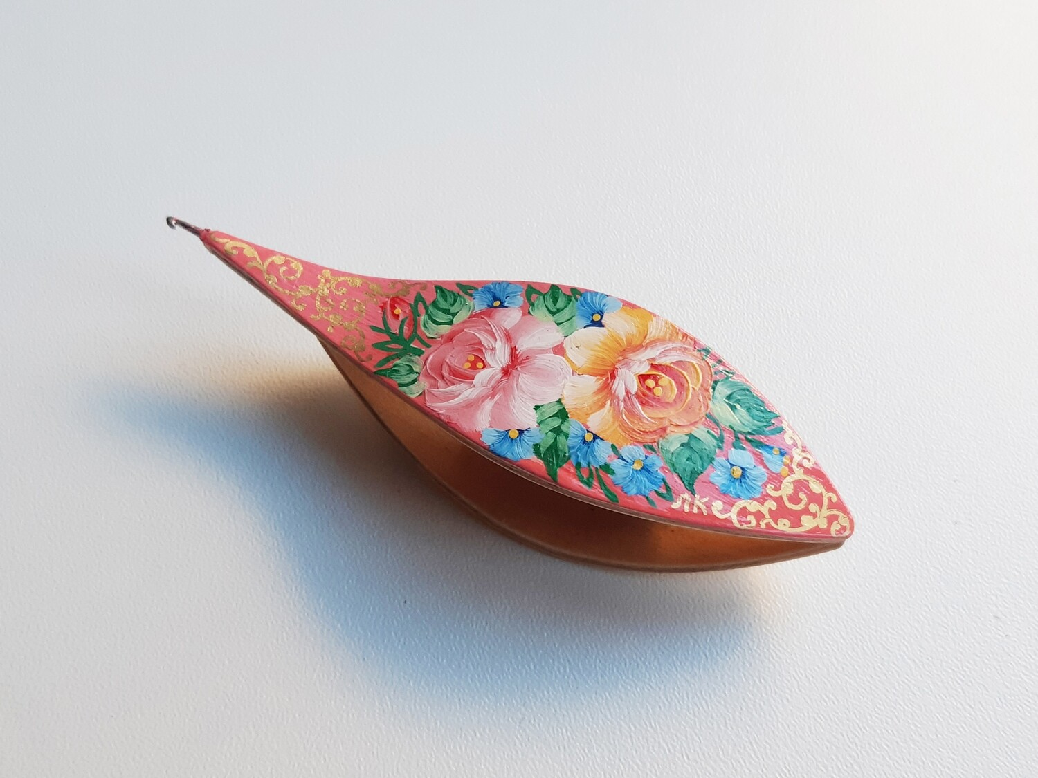 Tatting Shuttle With Hook Maple Painted