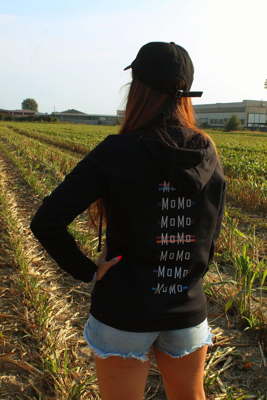 """Felpa """"MoMo Monogram"""" Stylist: Giada Loi"""