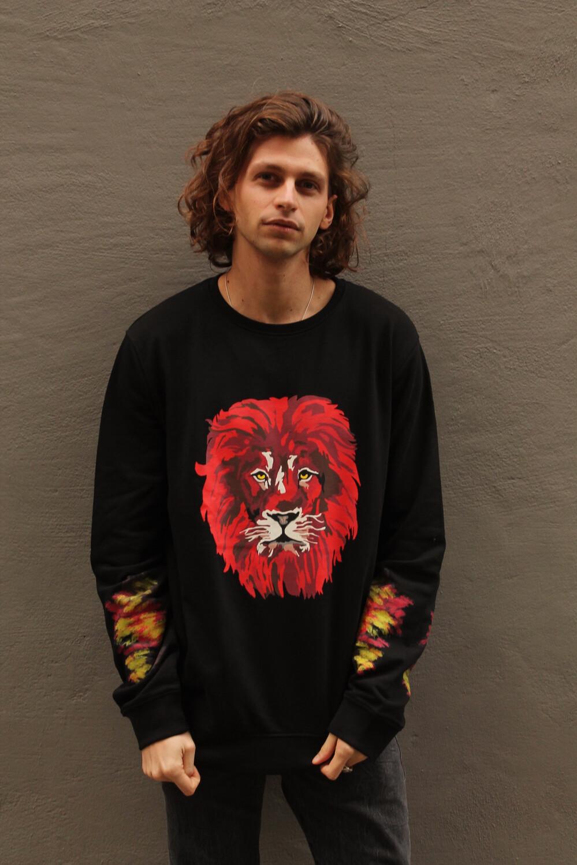 """Felpa """"Lion"""" - Stylist: Giada Loi"""