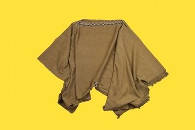 Poncho em fibra de coco com detalhes dourados - Gayatri