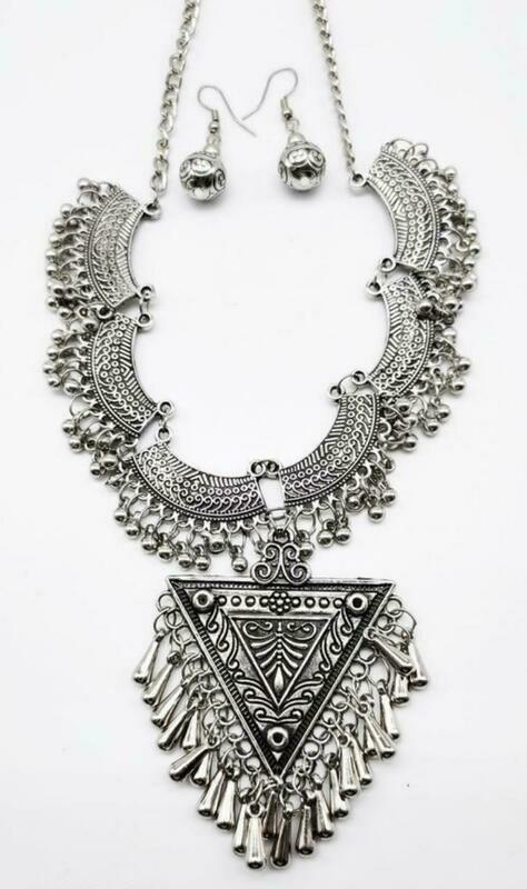 Trendy Women's Necklaces